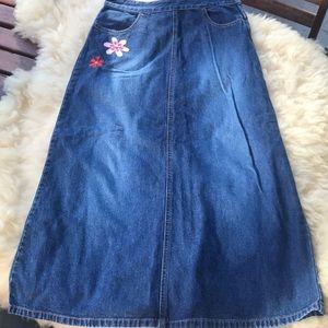 Gap mid length Denim Jean skirt embroidered